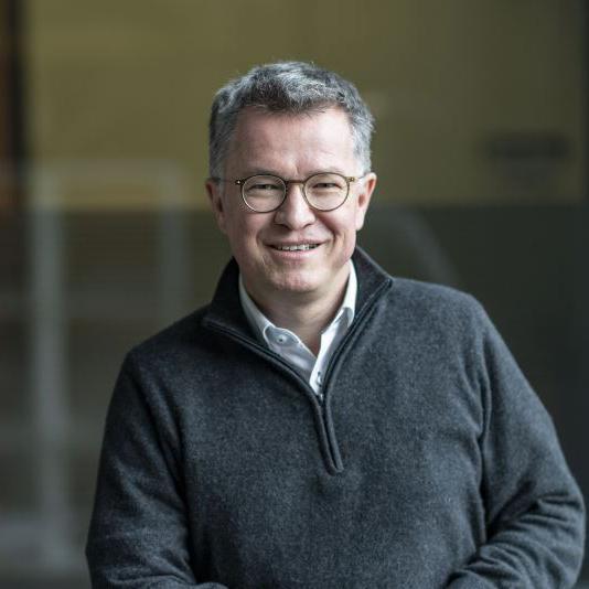 Dr. Thomas Bauer