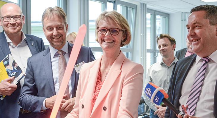 Bundesbildungsministerin besucht JOBSTARTER plus-Projekt