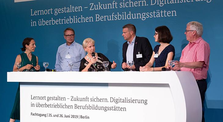 """Panel """"Die überbetriebliche Berufsbildungsstätte – erfolgreicher Zukunftsakteur und Impulsgeber!"""""""