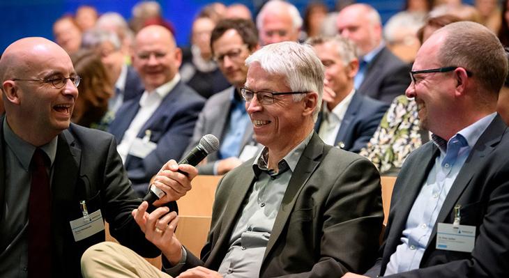 """Dokumentation zur AlphaDekade-Konferenz """"Literalität und Teilhabe"""" erschienen"""