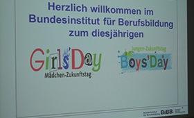 Willkommensnachricht auch einem Computermonitor zum Girls'Day
