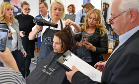 Russian hairdressers show that they can cut it