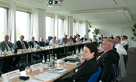 Teilnehmende der Veranstaltung im Sitzungssaal