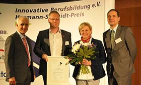 Gruppenbild der Gewinner der HWK Flensburg