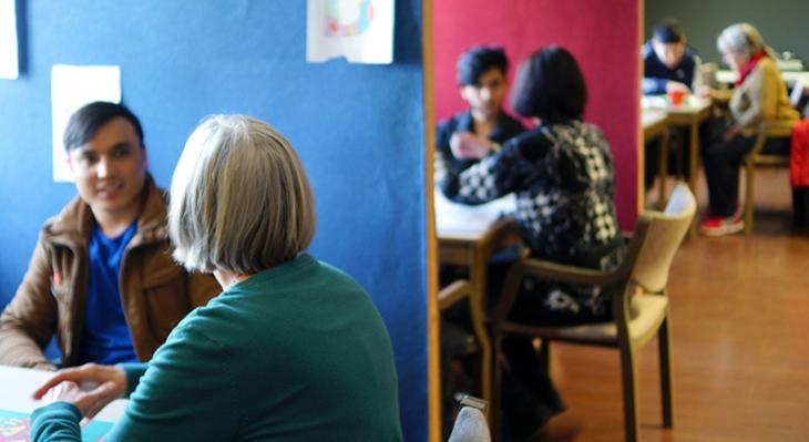 """Anlaufstelle für junge Flüchtlinge: der Verein """"Ausbildung statt Abschiebung"""""""